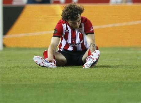 El Athletic retira la oferta de renovación a Amorebieta