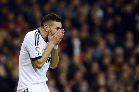 <p>Atacante do Real Madrid pode ficar detido por três a seis meses</p>