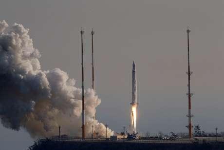 O foguete foi lançado às 16h locais (5h de Brasília) a partir da plataforma de Goheung