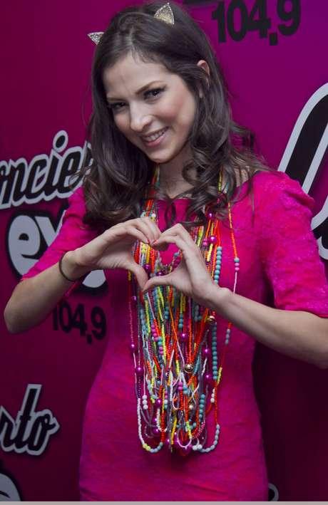 Paty Cantú promueve su más reciente lanzamiento titulado 'Corazón Bipolar'.