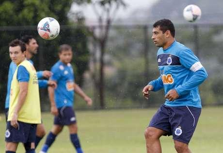 <p>Com Diego Souza regularizado, Cruzeiro pode ter também Borges e Dagoberto no ataque</p>