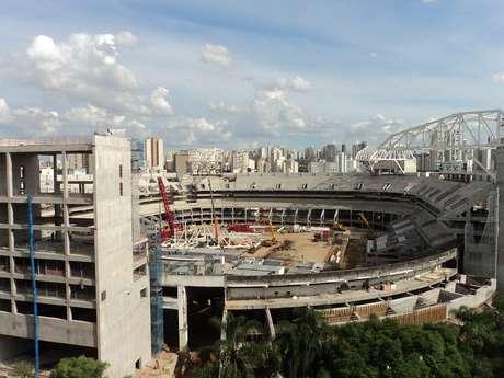 <p>Palmeiras e WTorre poderiam até ter que demolir construção</p>