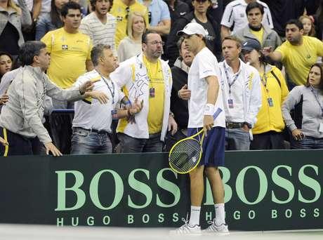 No segundo set, Bob Bryan provocou brasileiros e irritou delegação à beira da quadra