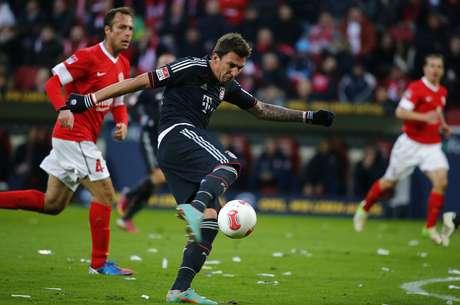 Mandzukic foi o destaque de mais uma vitória do Bayern de Munique, com dois gols