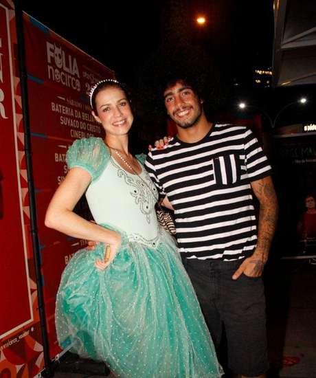 Luana Piovani e o noivo, o surfista Pedro Scooby