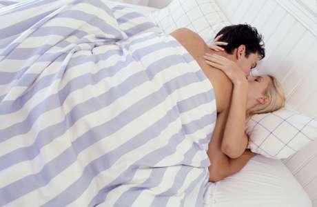 Seis minutos de sexo queima apenas 21 calorias, diz estudo