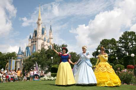 É possível dormir no castelo da Cinderela e os sortudos são escolhidos aleatoriamente no parque Magic Kingdom