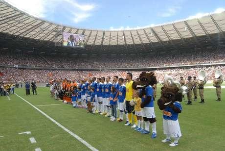 Presidente do Cruzeiro pretendia receberR$ 2,5 milhões no primeiro jogo do novo Mineirão