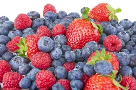 Cientistas apontam que os benefícios de uma boa alimentação colaboram para a manutenção geral da saúde, o que é bom aliado no combate à doença