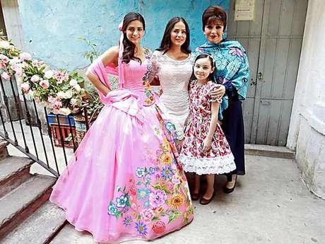 El personaje de Renata Notni celebró su fiesta de 15 Años en el drama 'Qué Bonito Amor'.