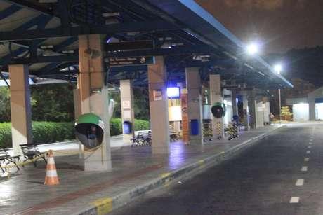 Moradores de Florianópolis sentem ausência de transporte público após ataques