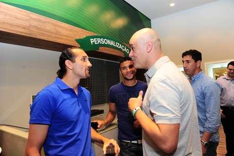 Barcos e Marcos se encontraram em evento na Rua Augusta, em São Paulo