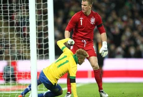 <p>Neymar perdeu gol feito em derrota brasileira em Wembley</p>