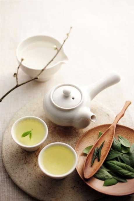 """<p><span style=""""color: rgb(51, 51, 51); font-family: arial, verdana, sans-serif; font-size: 14px; line-height: 20px;"""">El té verde esrico en antioxidantes.</span></p>"""