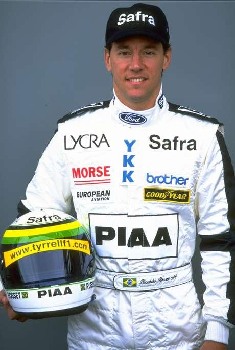 <p>Com passagens por Footwork, Lola e Tyrrell, Ricardo Rosset retorna à Porsche Cup para tentar repetir título de 2010</p>