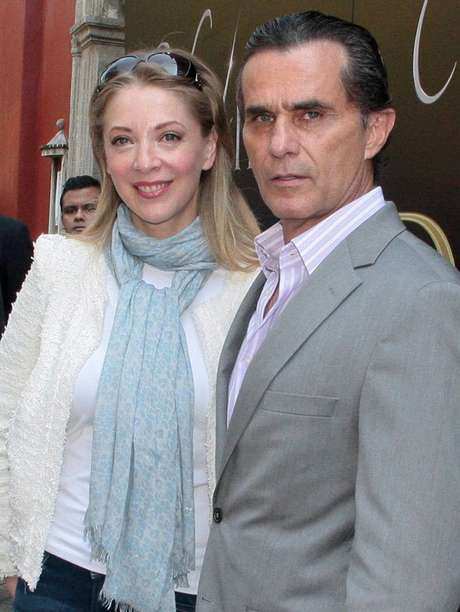 Edith González y Humberto Zurita protagonizarán la telenovela 'Vivir a Destiempo' de TV Azteca.