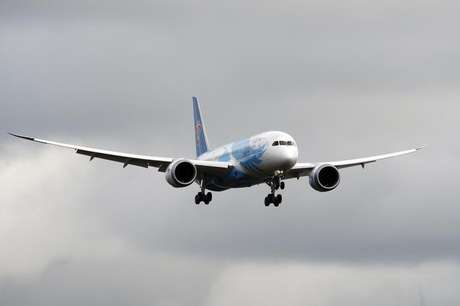 The Boeing 787 lands in Everett, Washington travelling with crew only from Fort Worth, Texas February 7, 2013.