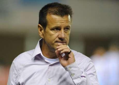 <p>Dunga deve usar quatro titulares do Inter</p>