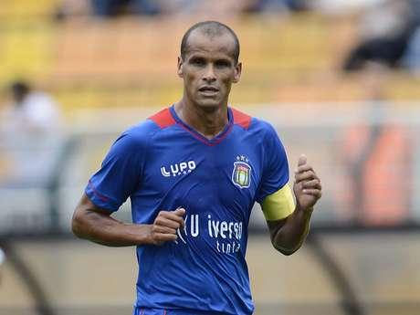 <p>Rivaldo teve passagem discreta pela equipe do São Caetano, principalmente por conta do excesso de lesões sofridas</p>