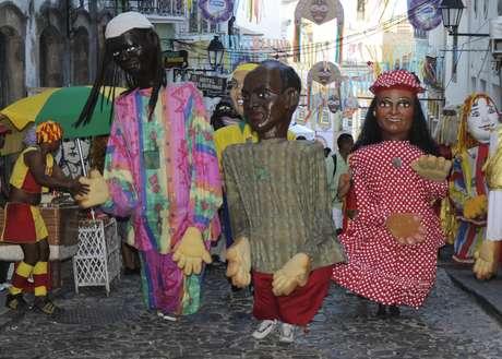 <p>Passeio pelos antigos quarteirões do Centro Histórico é antídoto contra a tão discutida falta de diversidade do Carnaval</p>