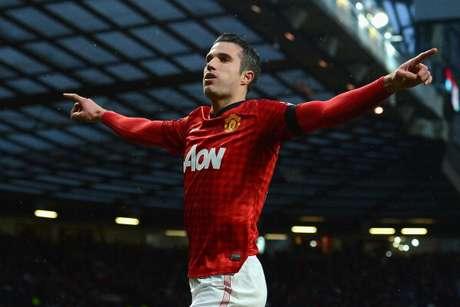 Van Persie selló el triunfo en Old Trafford con un buen gol.
