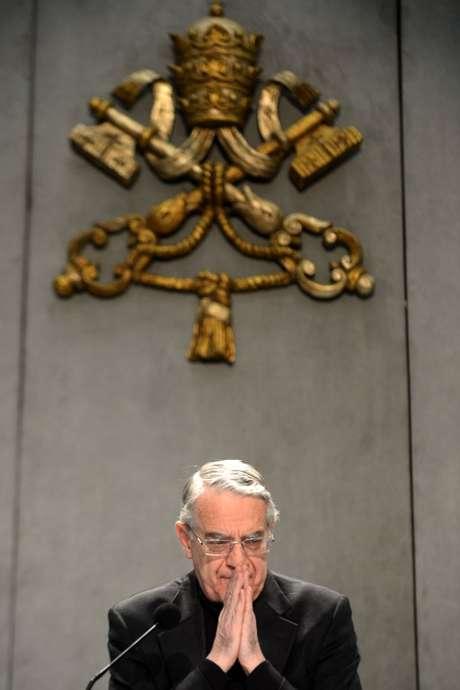 O padre Federico Lombardi, porta-voz do Vaticano, concede entrevista sobre a renúncia do papa Bento XVI