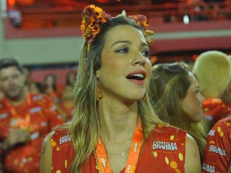 <p>A atriz Luana Piovani foi à Sapucaí para assistir aos desfiles</p>