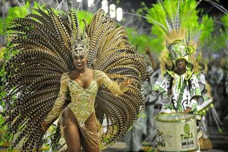 <p>Cris Viana, rainha da bateria da Imperatriz, durante o desfile na Sapucaí</p>