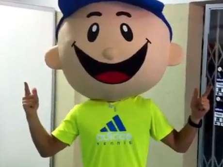 "<p>Usando máscara sorridente e se dizendo ""mascote"" do Brasil Open, italiano Fabio Fognini fez comentários sarcásticos sobre o torneio</p>"