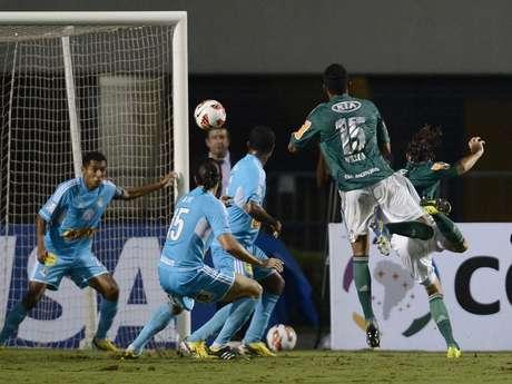 <p>Zagueiro contabiliza quatro gols no ano, sendo três de cabeça</p>