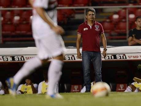 <p>Ney Franco já admite mudança noe squema de jogo do São Paulo</p>