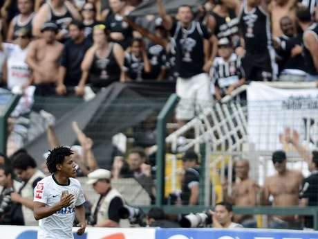 <p>Romarinho disse que se sente mais motivado contra Palmeiras</p>