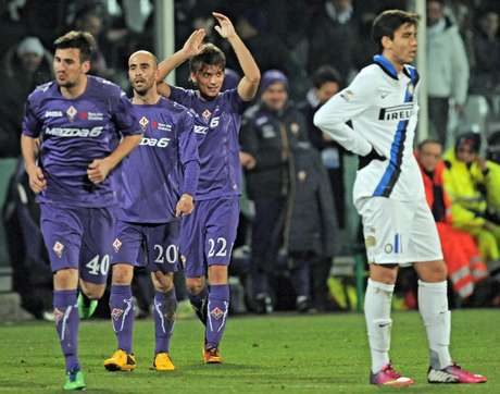 Atuando em casa, a Fiorentina arrasou a Inter de Milão e saiu de campo com uma vitória por 4 a 1