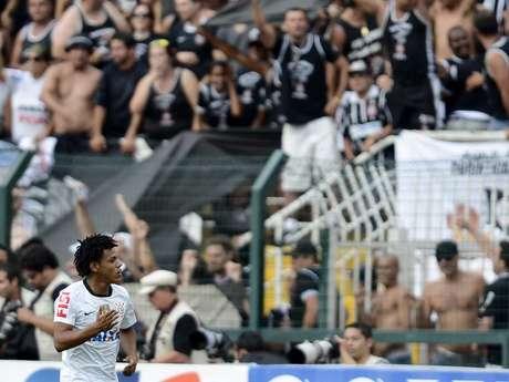 <p>Romarinho voltou a marcar contra o Palmeiras e fechou o placar</p>
