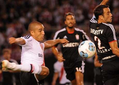 River le ganó 1 a 0 a Estudiantes en el Estadio Monumental con gol de David Trezeguet en el primer tiempo y lleva puntaje ideal en dos partidos jugados por el Torneo Inicial
