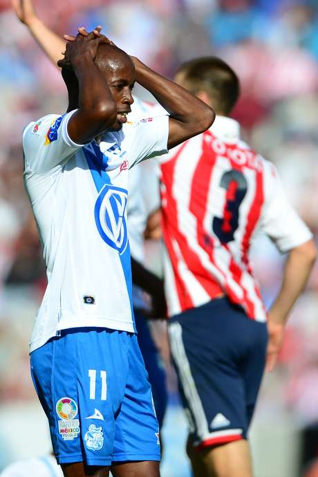 <p>DaMarcus Beasley laments an opportunity lost.</p>