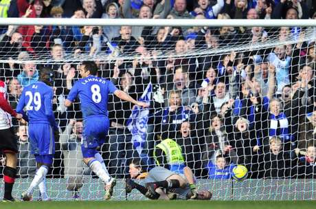 <p>Chelsea whipped Brentford 4-0 at Stamford Bridge, in a fourth-round replay; Wednesday they'll visit Middlesbrough in the next round.</p>