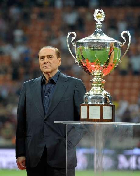 Dono do Milan, Silvio Berlusconi negocia venda de clube com chineses