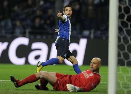 João Moutinho comemora o gol da vitória do Porto