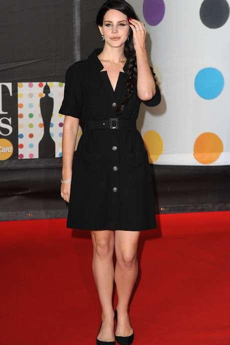 <p>La popular Lana Del Rey fue sin duda otra de las bellezas preferidas de la noche. Durante su paso por la alfombra, la lente no dejó de capturarla.</p>