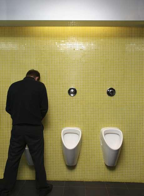 <p>Os pacientes podem sentir desconforto para urinar após a cirurgia</p>