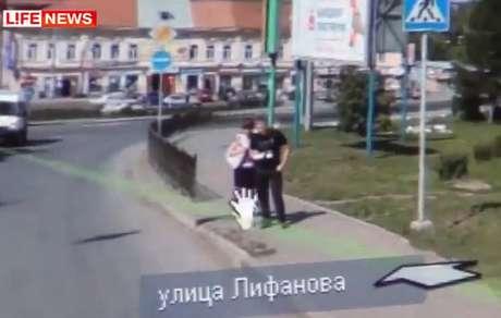 Noivo foi flagrado em serviço similar ao Street View oferecido na Rússia