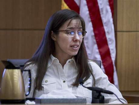 Jodi Arias testifies during her murder trial in Maricopa County Superior Court in Phoenix, Arizona February 19, 2013.