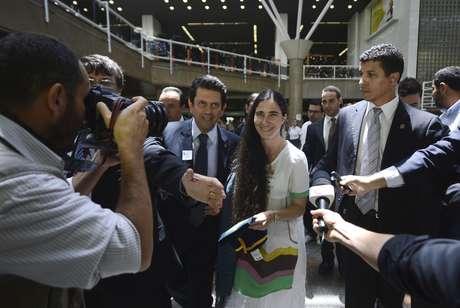 Blogueira cubana Yoani Sánchez chega a capital federal para participar de reunião no Congresso Nacional