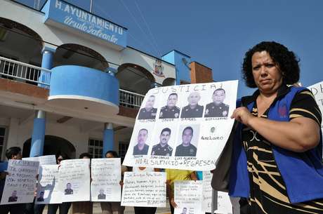 <p>El Gobierno mexicano confirmó este jueves la existencia de una base de datos con los nombres de más de 27.000 desaparecidos a noviembre de 2012, cuando finalizó la Administración del conservador Felipe Calderón.</p>
