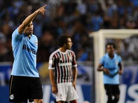 <p>Andr&eacute; Santos voltar&aacute; a Londres para terminar mudan&ccedil;a de volta ao Brasil</p>