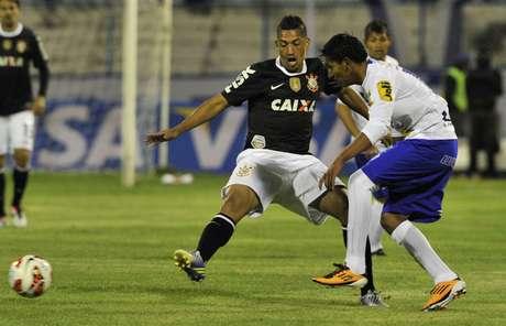 <p>Atual campeão, time paulista saiu na frente, mas cedeu empate no segundo tempo</p>