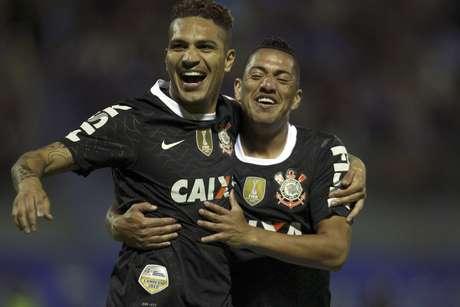 <p>Artefato que acabou matando o torcedor do San José teria sido atirado logo após o gol marcado por PaoloGuerrero</p>