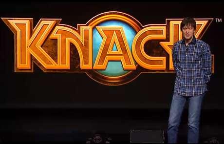 O engenheiro-chefe de desenvolvimentos da Playstation, Mark Cerny, anuncia o game 'Knack'