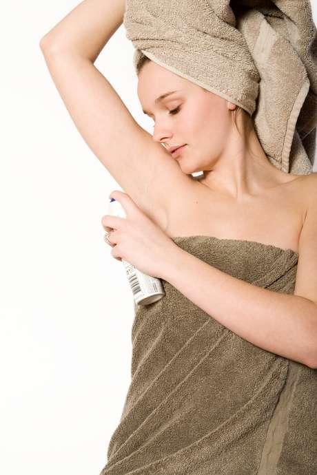 Ideais para peles sensíveis e suscetíveis à reações alérgicas, antitranspirantes hipoalergênicos ainda mantém as axilas lisinhas